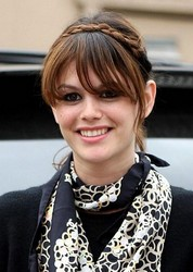 rachel bilson hairstyle and scarf
