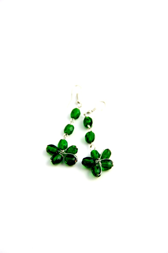 emerald green beaded earrings
